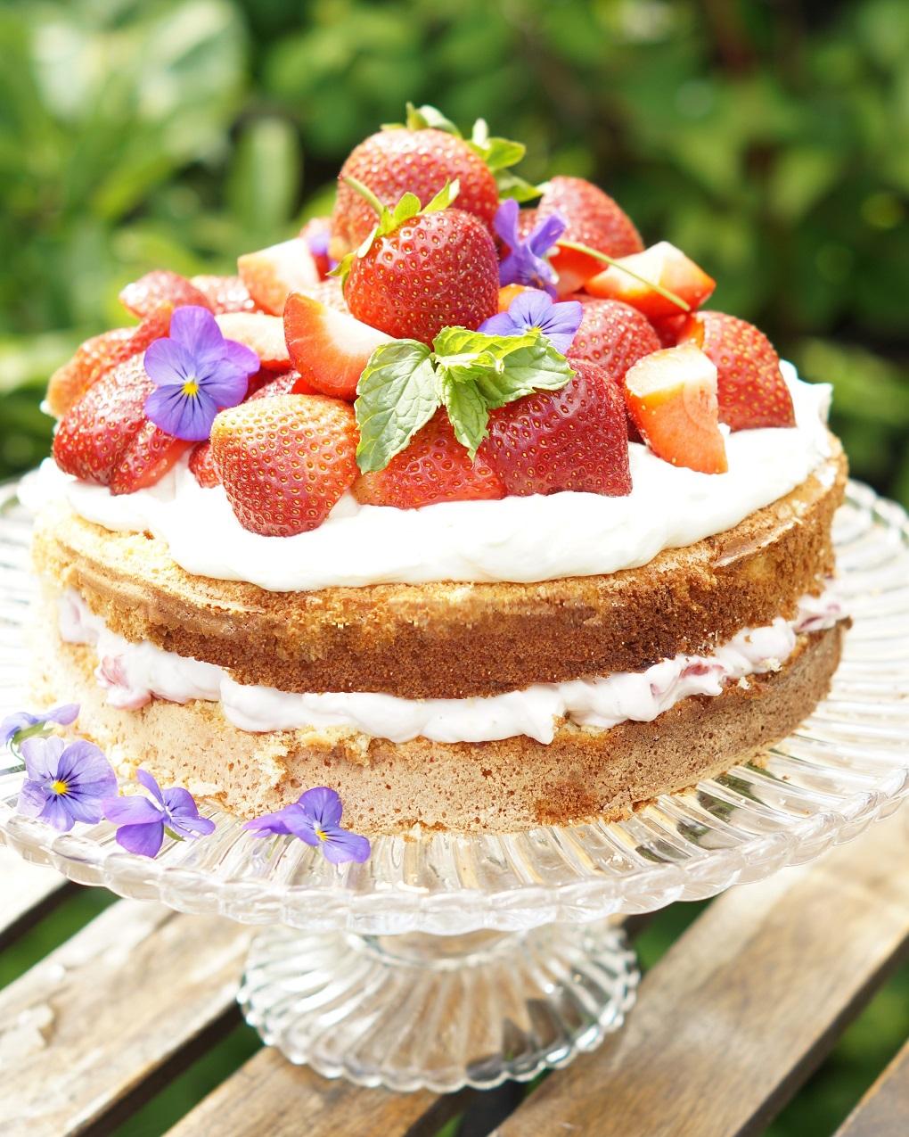 jordbær kremkake