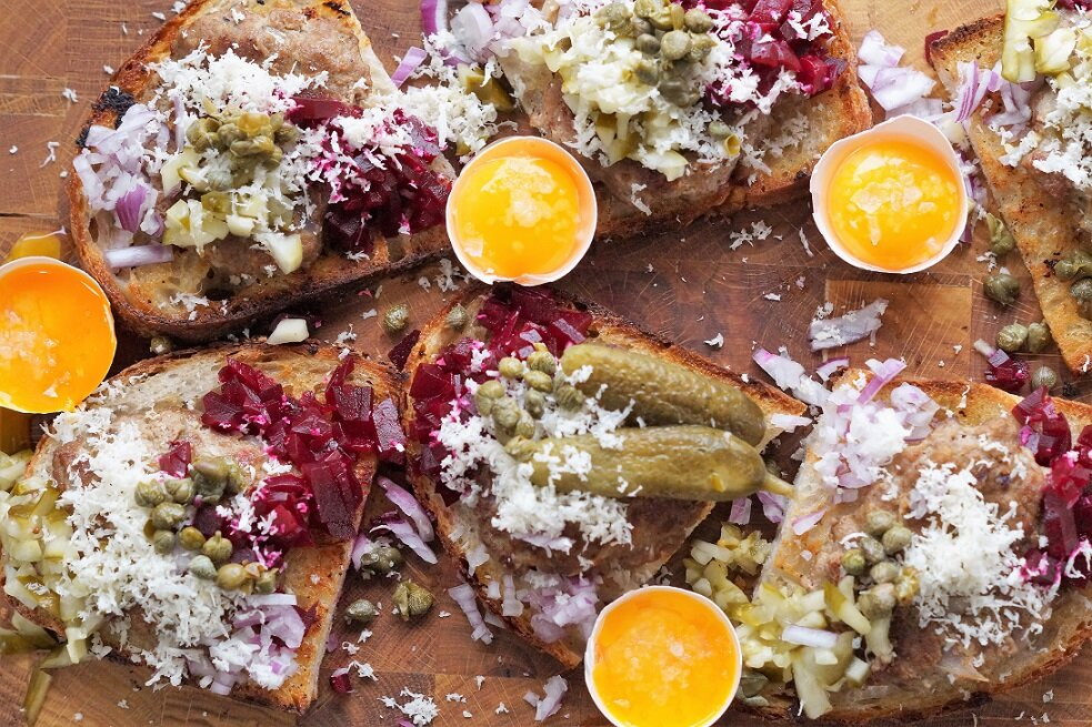 Dansk smørrebrød – Pariserbøf