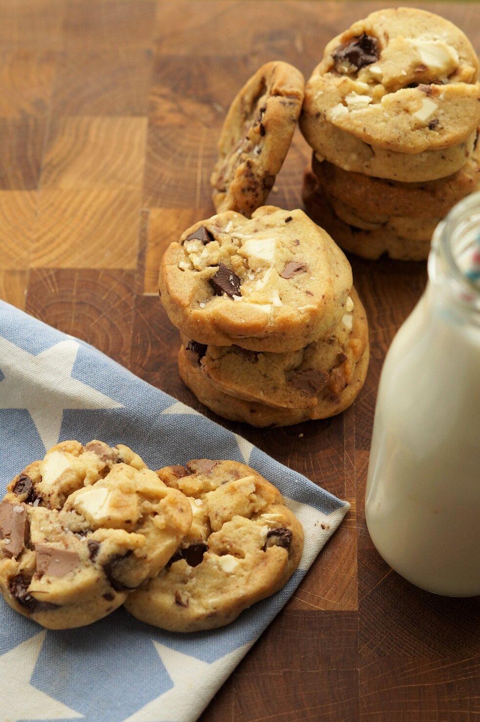 Trippel sjokolade-cookies med havsalt