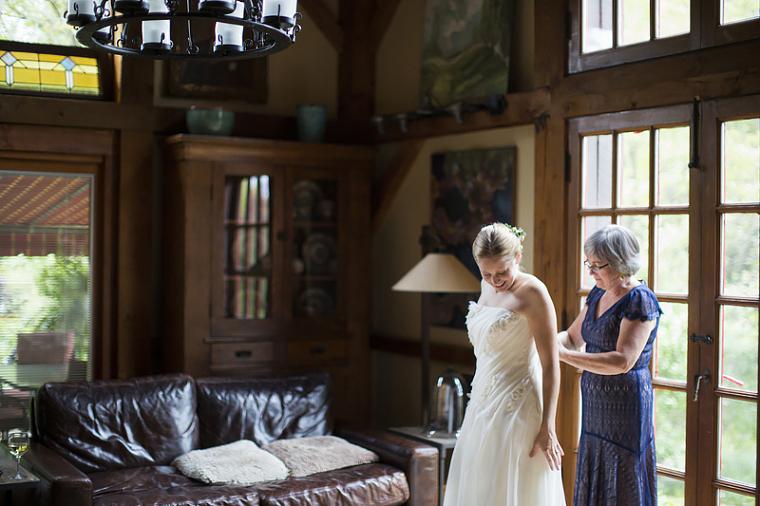 schnoodleberry-farm-wedding-kelsey-kradel-photography_009(pp_w760_h506).jpg