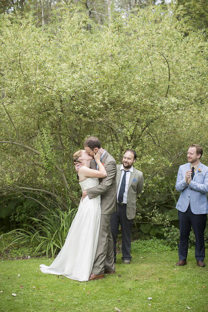 schnoodleberry-farm-wedding-kelsey-kradel-photography_022-666x1000.jpg