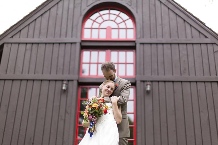 schnoodleberry-farm-wedding-kelsey-kradel-photography_024(pp_w760_h506).jpg
