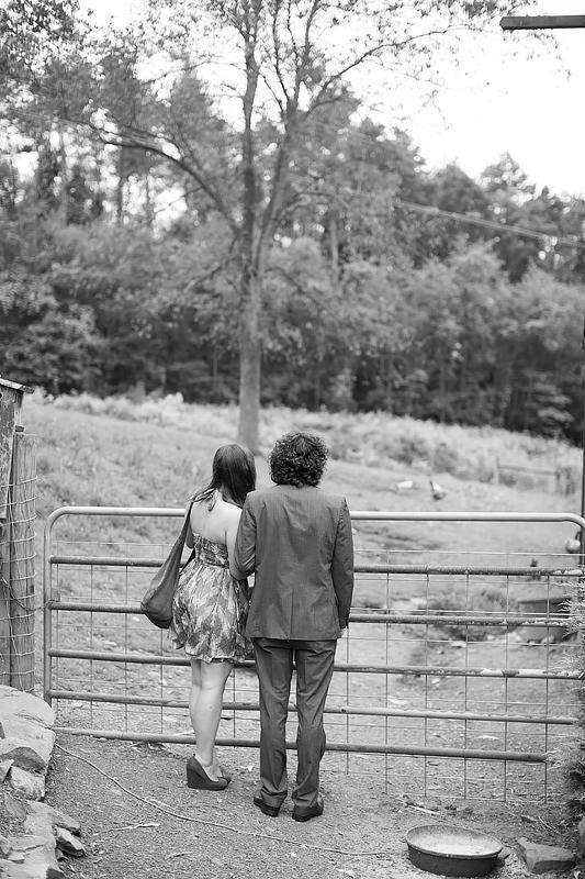 schnoodleberry-farm-wedding-kelsey-kradel-photography_026.jpg