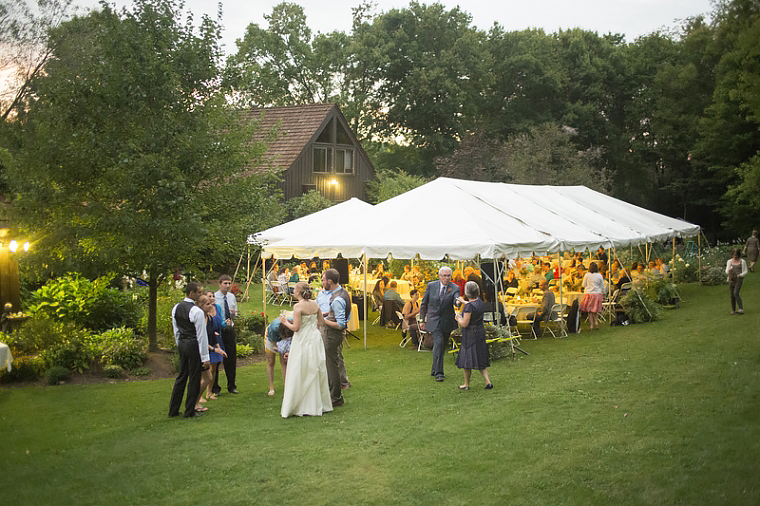 schnoodleberry-farm-wedding-kelsey-kradel-photography_035(pp_w760_h506).jpg