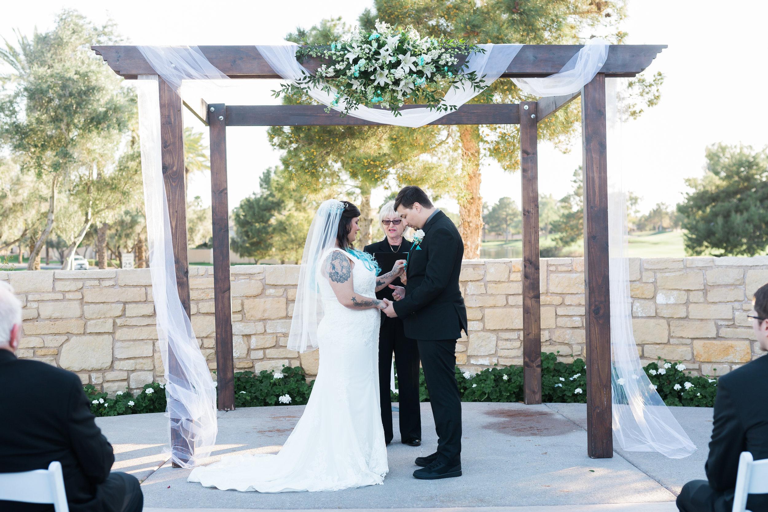 Carlos-Kayla-Wedding-Tara-Nichole-Photo-Wedgewood-Chandler-Arizona-250.jpg