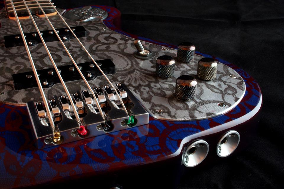 m-tone_bass1_body_d3.jpg