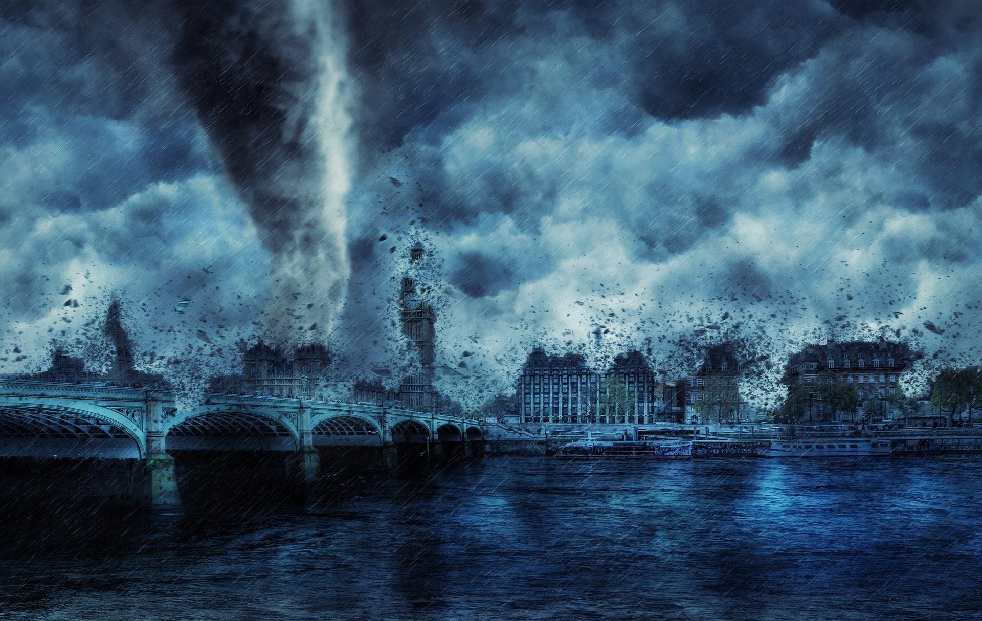 storm-3263239_1920-min.jpg