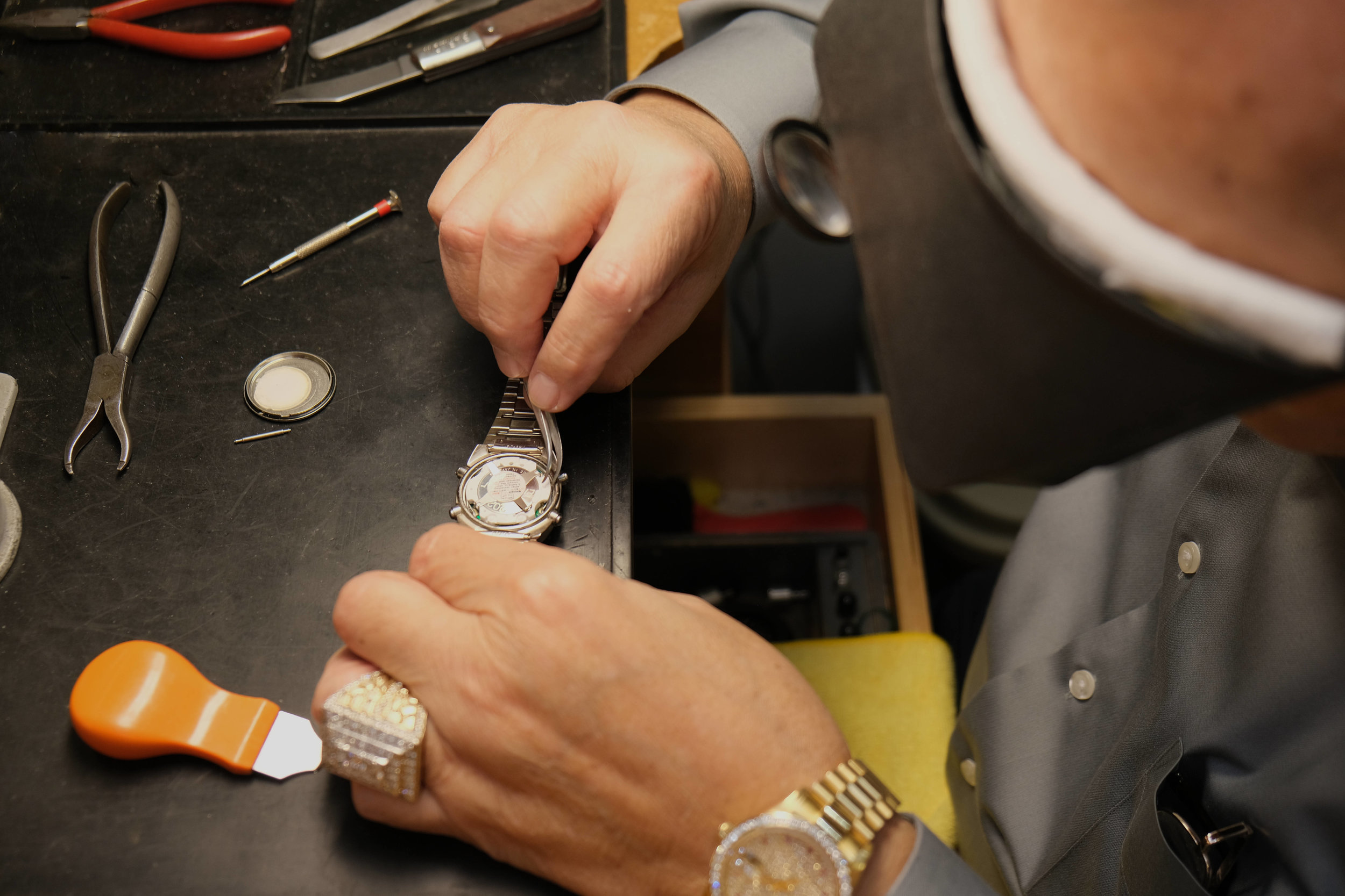 Batteries for any brand or make of watch. Staff always available for a battery while you browse our beautiful inventory