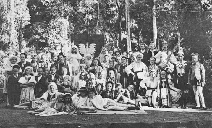 La compagnia teatrale di Tengeru.