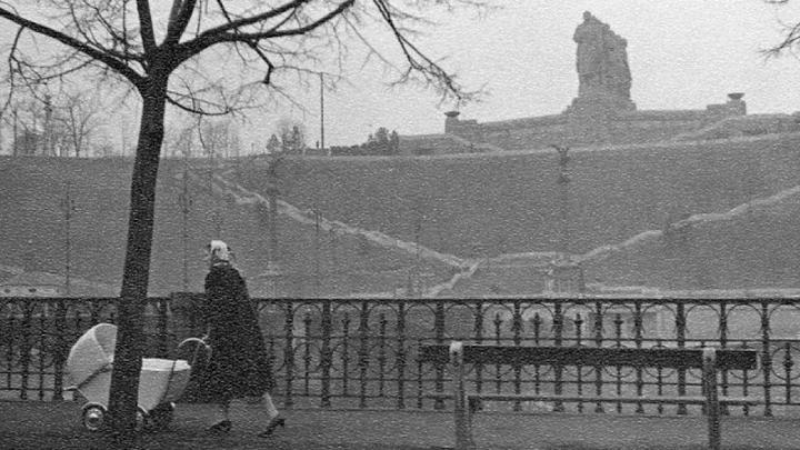 Il monumento di Stalin a Praga nel 1957. Venne demolito cinque anni dopo / Mark Susina