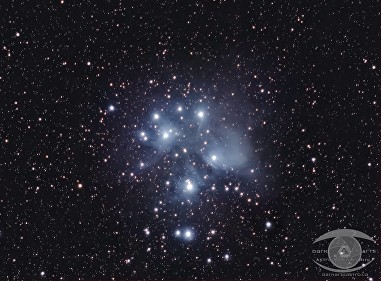 M45 – the Pleiades Cluster. Nikon D750. Nikon 55-300 DX @f/5.6, 27 x 2 min exposures @ ISO 1600