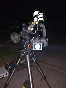 Shooting the moon with my Explore Scientific ED80 and Nikon D750 on my Celestron AVX