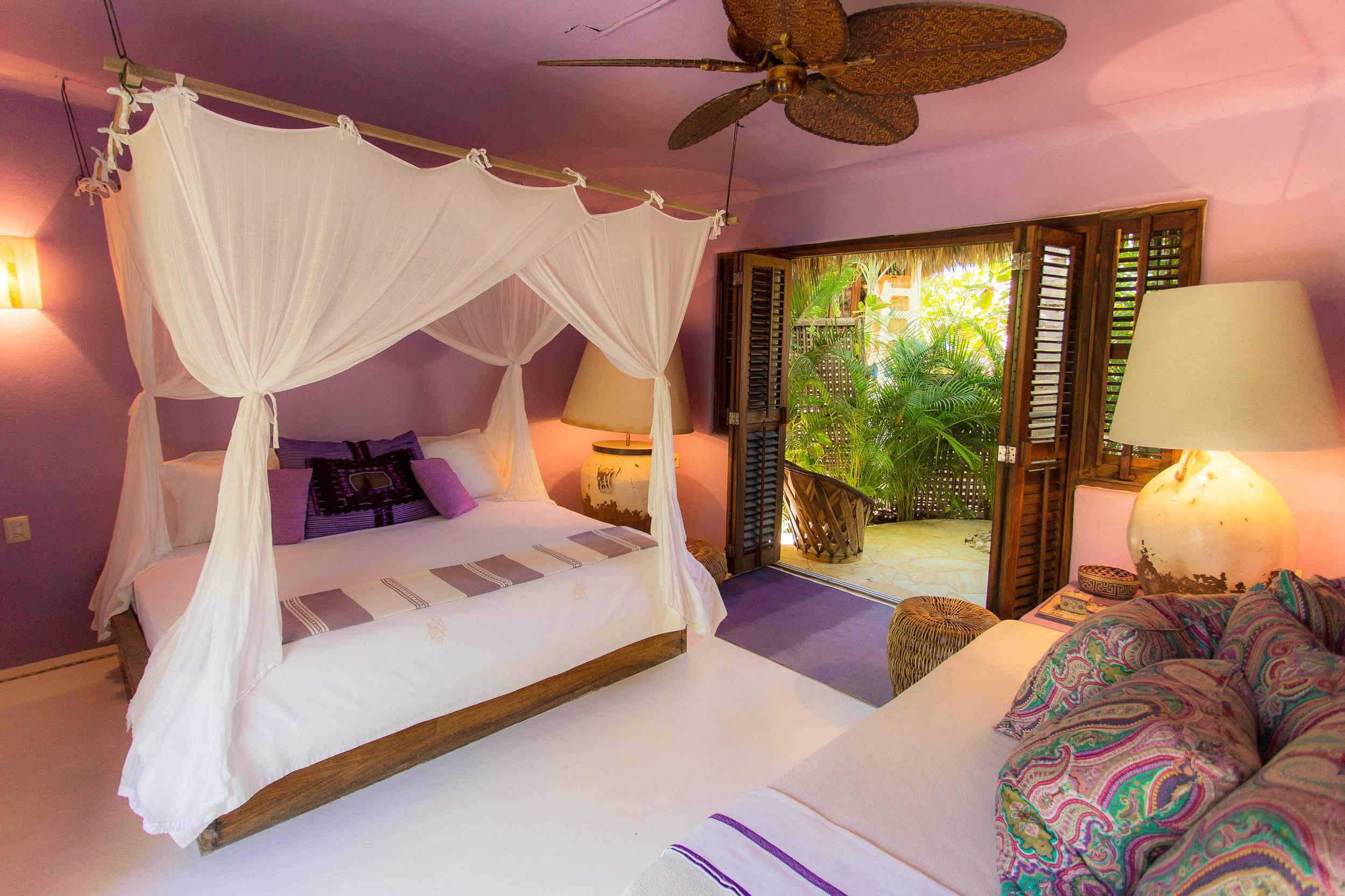 casa-descalza-rental-room3-garden-view-mexico.jpg