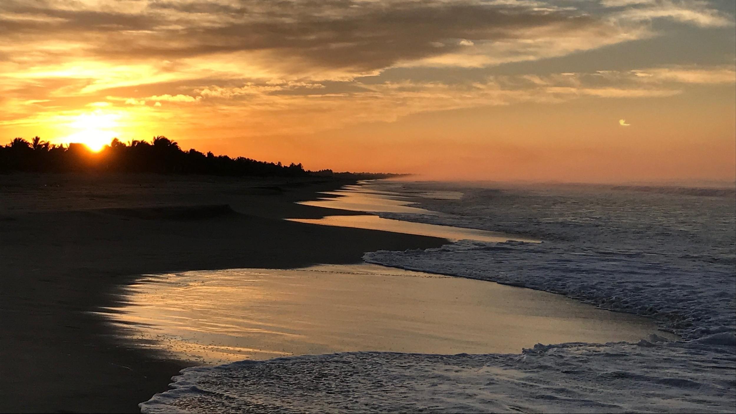 INCREÌBLES AMANECERES   Si esta madrugador, los amaneceres estan espectaculares