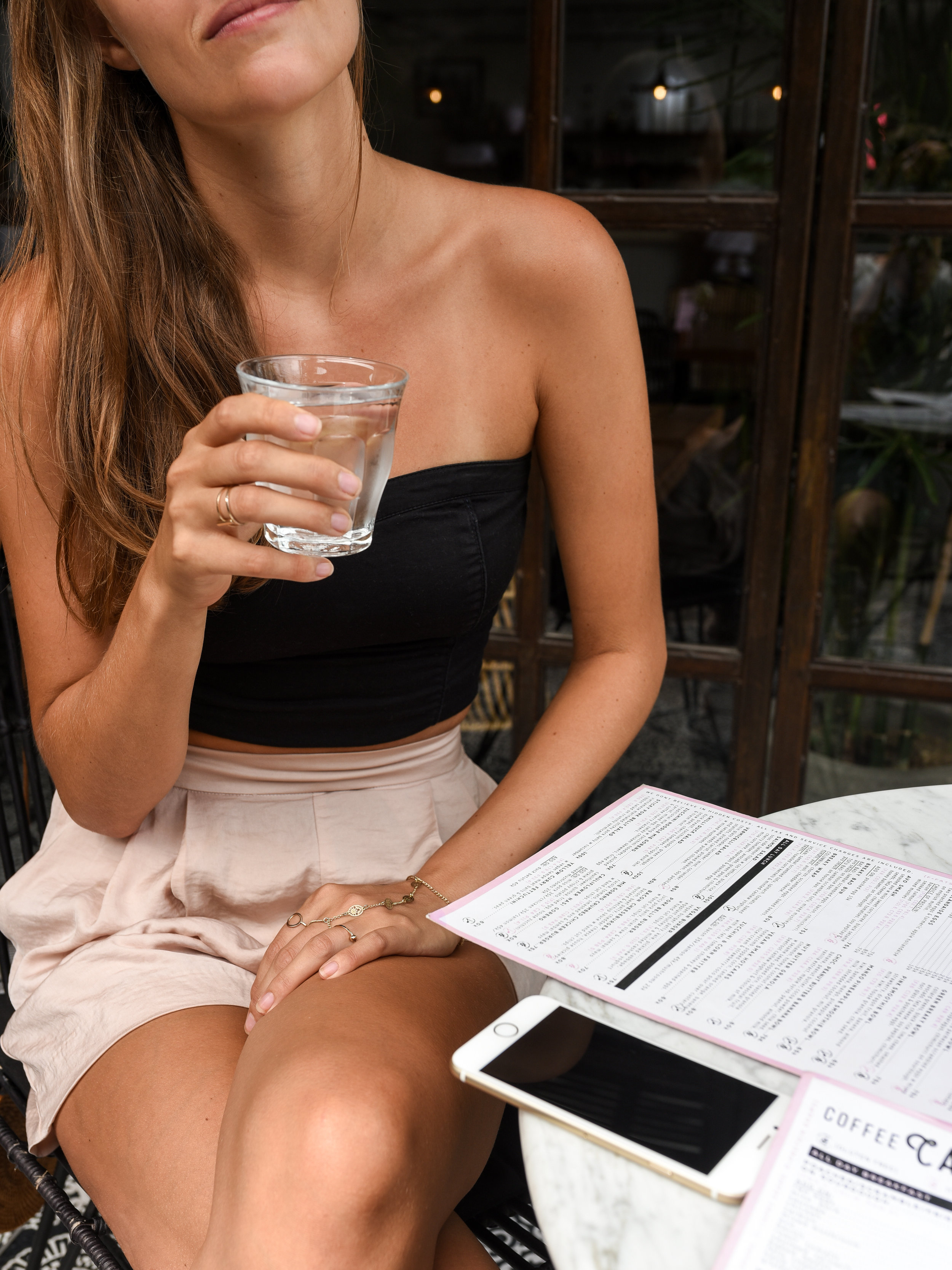 How much? - The average amount of water you need per day is about 3 liters (13 cups) for men and 2.2 liters (9 cups) for women.