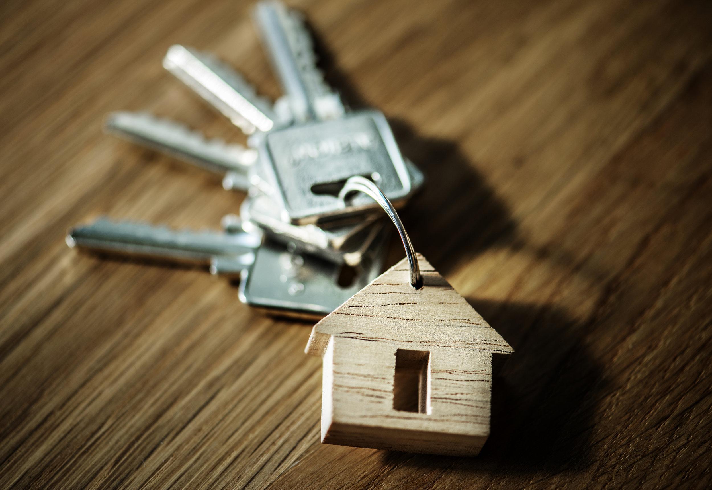 The keys to a house.