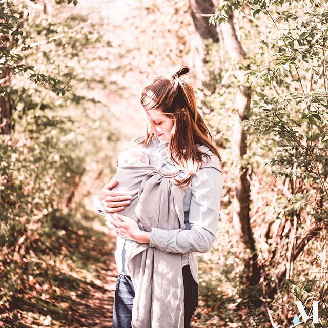 An extra moment to steal away with our babes on Memorial Day. Thank you to those who gave everything to protect our freedom. #memorialday #newmom #breastfeeding #normalizebreastfeeding #39weeks #38weeks #40weeks #37weeks #milkmade #milkmademoms #postpartum