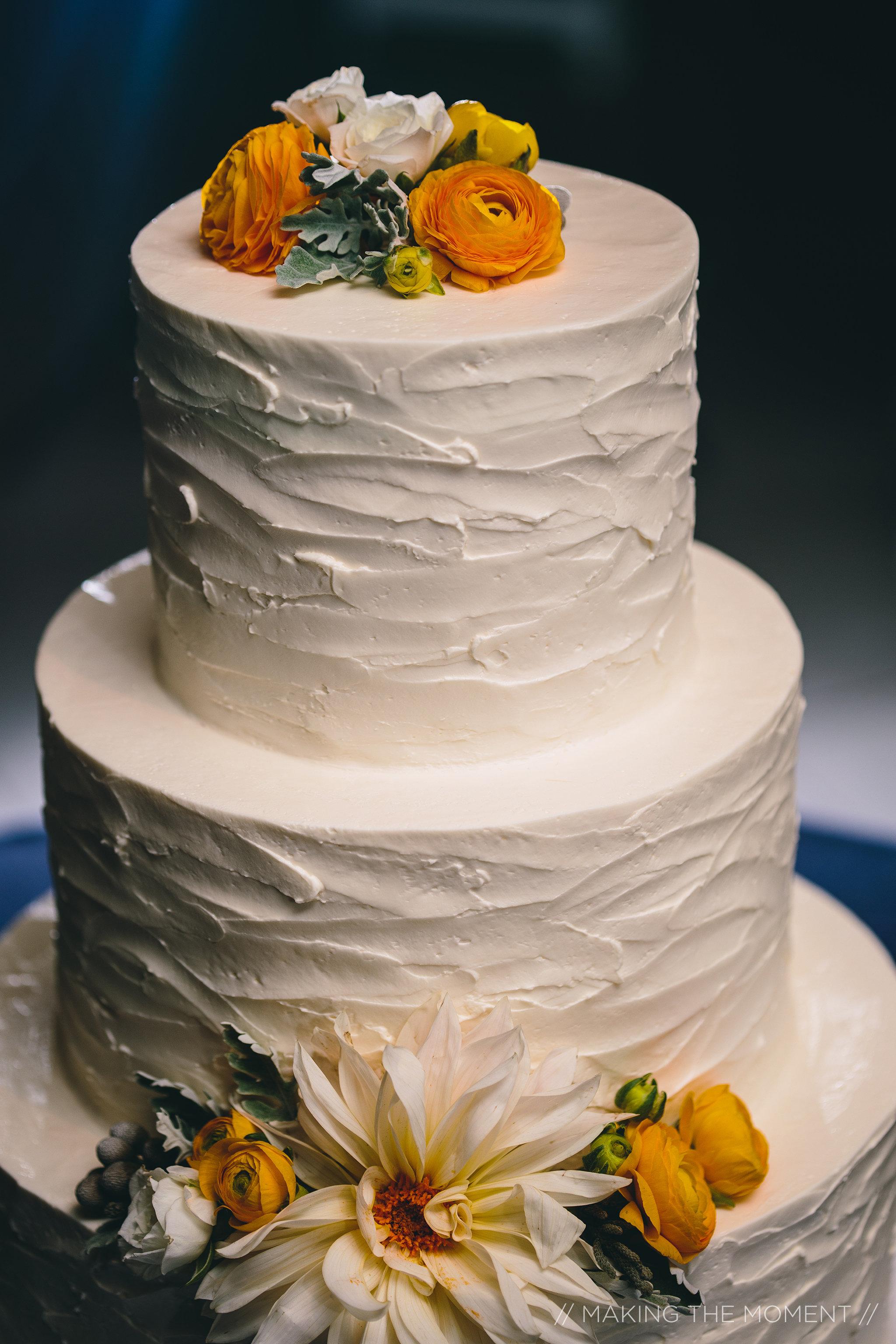 Wedding cake by Luna Bakery Cafe