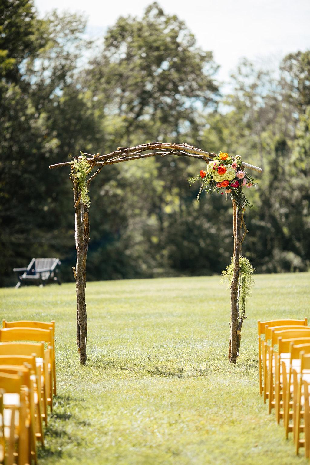 Happy Days Lodge wedding arch