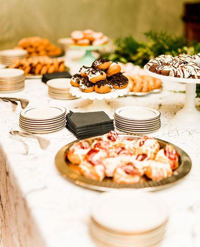 Erin + Justin's dessert spread was the stuff of summertime dreams! Click the link in our bio for even more snaps from their gorgeous day!⁠ .⁠ .⁠ .⁠ .⁠ Donuts: Peace Love and Little Donuts // Rentals: @lniquelinens // Photography: @kaylacoleslaw // Venue: Lakewood Country Club ⁠ .⁠ .⁠ .⁠ .⁠ #weddingtablescape #weddingtable #reception #weddingtabledecor #receptiondesign #receptioninspo #weddingplacesetting⁠ #weddingfood #weddingcatering #reception #receptiondesign #receptioninspo #foodie #weddingplacesetting⁠ #weddingcakes #weddingcakeideas #weddingtreats #weddingcakedesign #weddingsweets #weddingcakeinspo #weddingdesserts #weddingcakegoals #cakesofinsta #cakeinspo