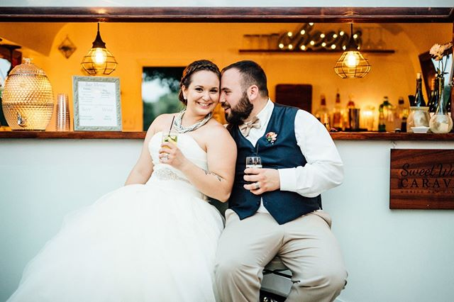 These are the faces you make when you know you nailed the drink menu and the bar setup at your wedding!  Couples often don't know how to approach the many possibilities for libations at their reception, so we've outlined a few options for you on the Oak + Honey Event Planning Co. blog! (link in bio!) . . . Photo Credit: @mann_and_wife. . . . #drinks #weddingbar #libations #weddinglibations #Akron #Cleveland #AkronOhio #HeyAkron #ClevelandOhio #CleWedding #ClevelandWedding #AkronWedding #AkronWeddingPlanner #ClevelandWeddingPlanner #OhioWeddingPlanner #OhioWedding #bridetobe #weddinginsta #wedspiration #weddinglove #greenweddingshoes #bestofweddings2019 #vlistmember #oakandhoneyevents #oakandhoneyeventplanningco
