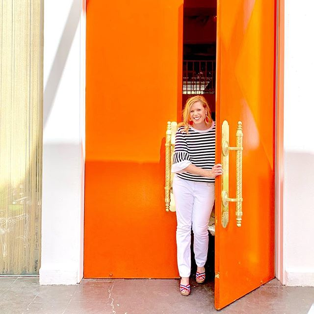 These oversized doors at @parkerpalmsprings are the HAPPIEST shade of orange! 😍 And don't even get me started on that super-dramatic gold door hardware...(insert *swoon* here)  It's amazing the impact a bright pop of color can have in a space—especially when there is maximum contrast with clean white walls!  Are you a fan of bright pops of color?? What color would you have painted these doors?  Tell me below! . . . . #homedecor #homestyling #homedecorating #transformyourhome #livinginstyle #houzz  #mydomaine #designsponge #designblog #playfullymodern #abmathome #abmlifeiscolorful #propertybrothers #architecturelover #hgtv #bhghome #betterhomesandgardens #diyblogger #homedecoration #homesweethome #interiorforall #interiordesign #apartmenttherapy #inmydomaine #domainehome #GGathome #dsinterior #pursuepretty #thatsdarling #sodomino