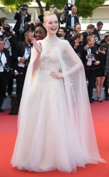 Elle-Fanning-2019-Cannes-outfit.jpg
