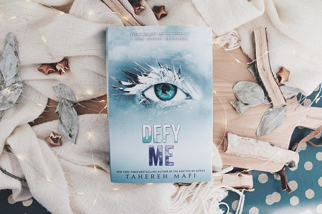 posted a new review on my blog of Defy Me link is in my bio • • @taherehmafi @harpercollinsus #book #bookstagram #booksbooksbooks #books #bookish #defyme #shatterme #bookshelf #bookaholic #bookobsessed