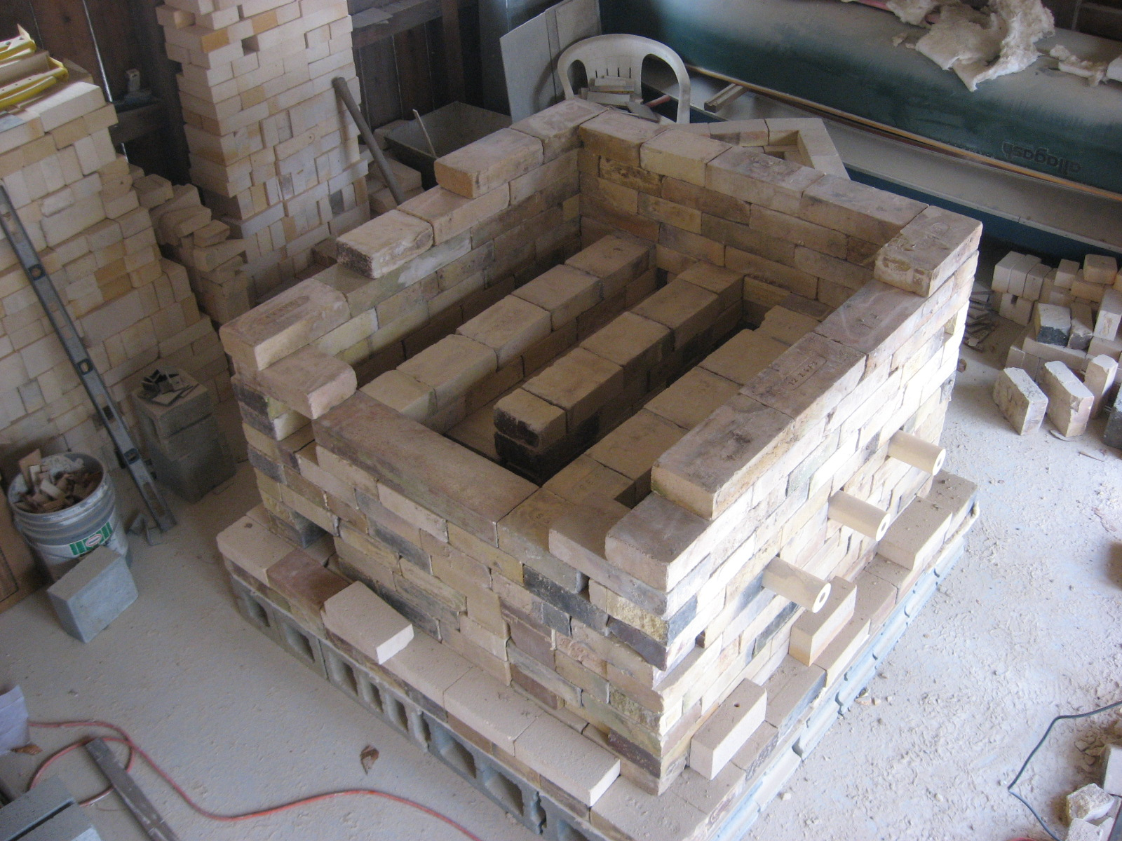 Kiln building and more 017.JPG