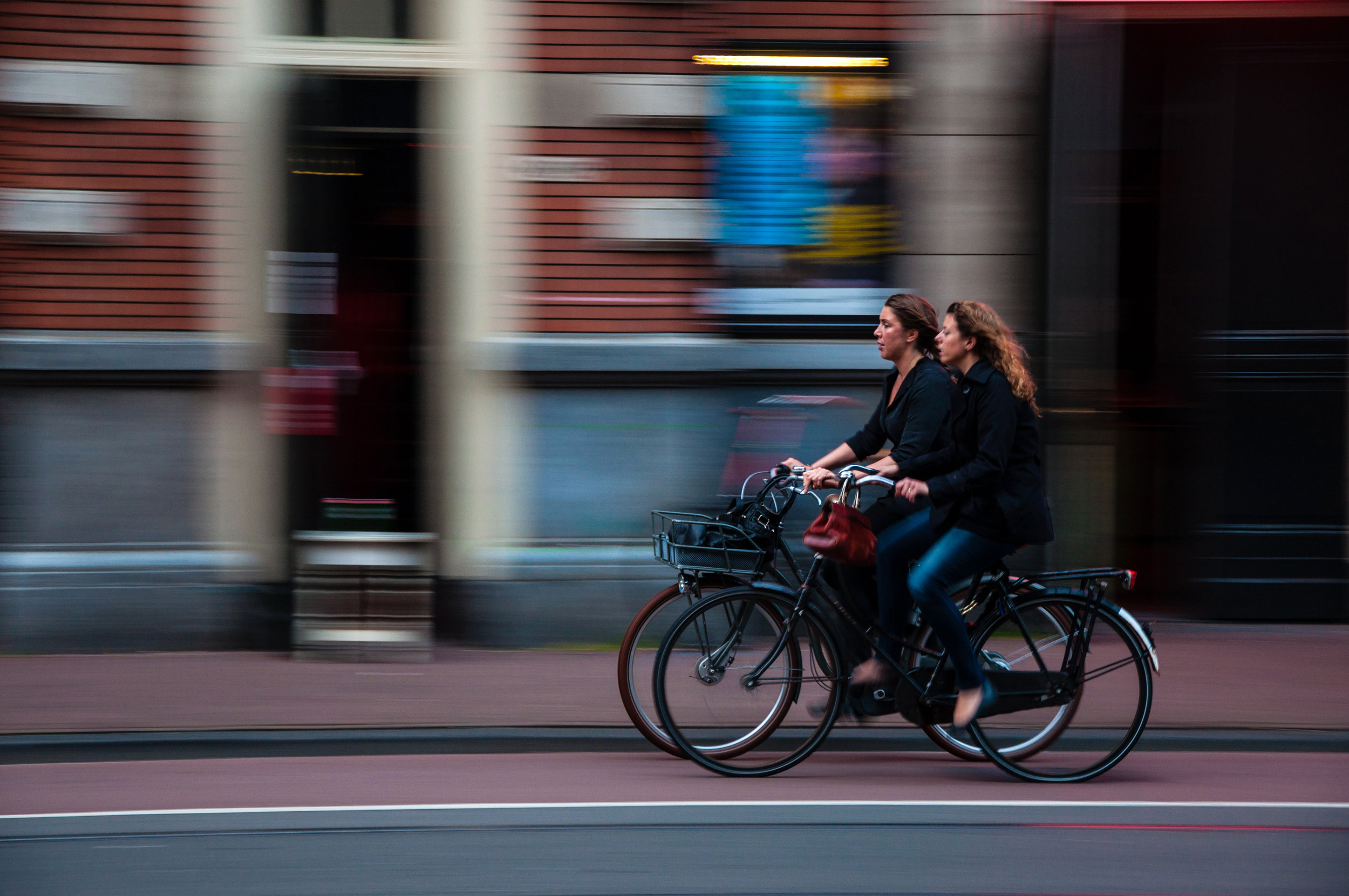 Walking or cycling to work will result in a significant reduction to your annual carbon footprint