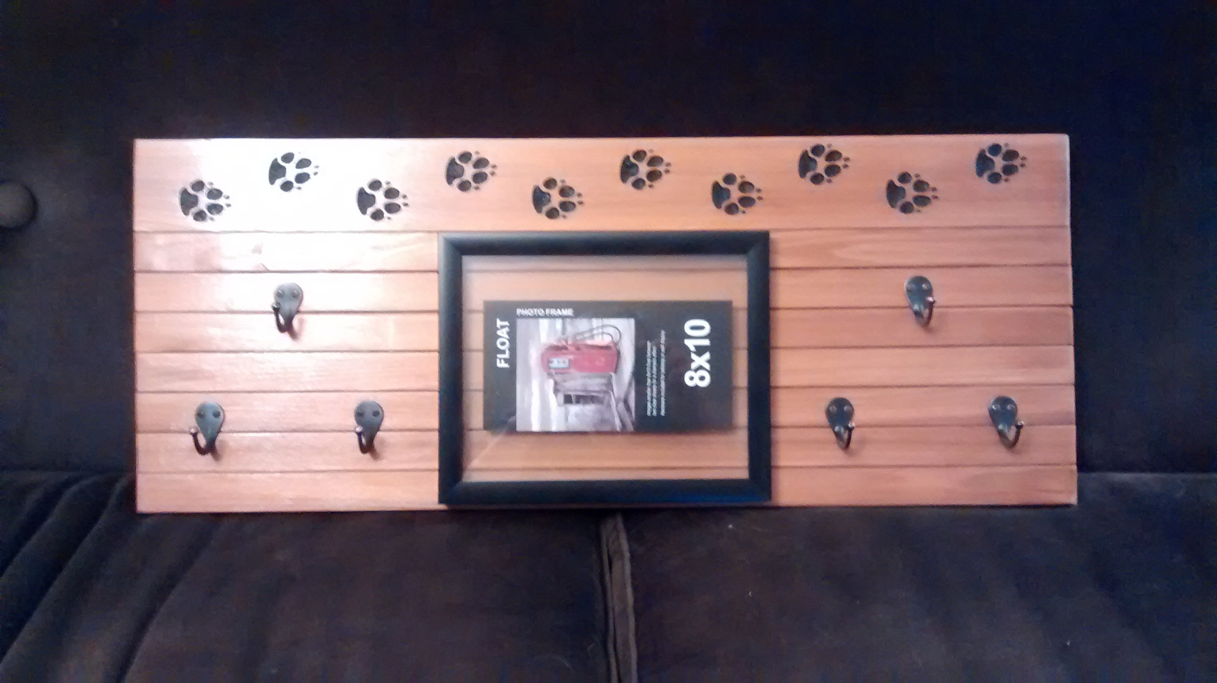 Dog Leash Hanger with One Picture Frame