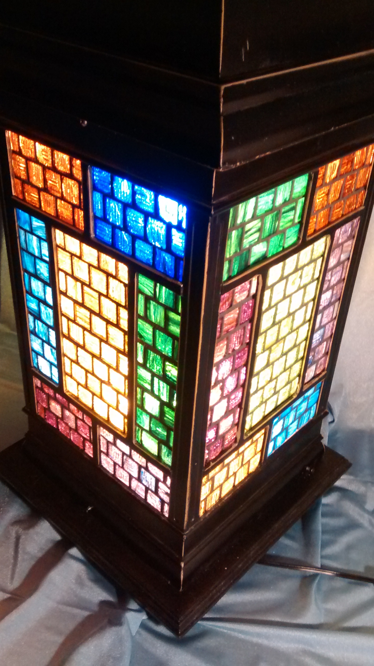 Decorative Colored Glass Mosaic Tile Table Lamp
