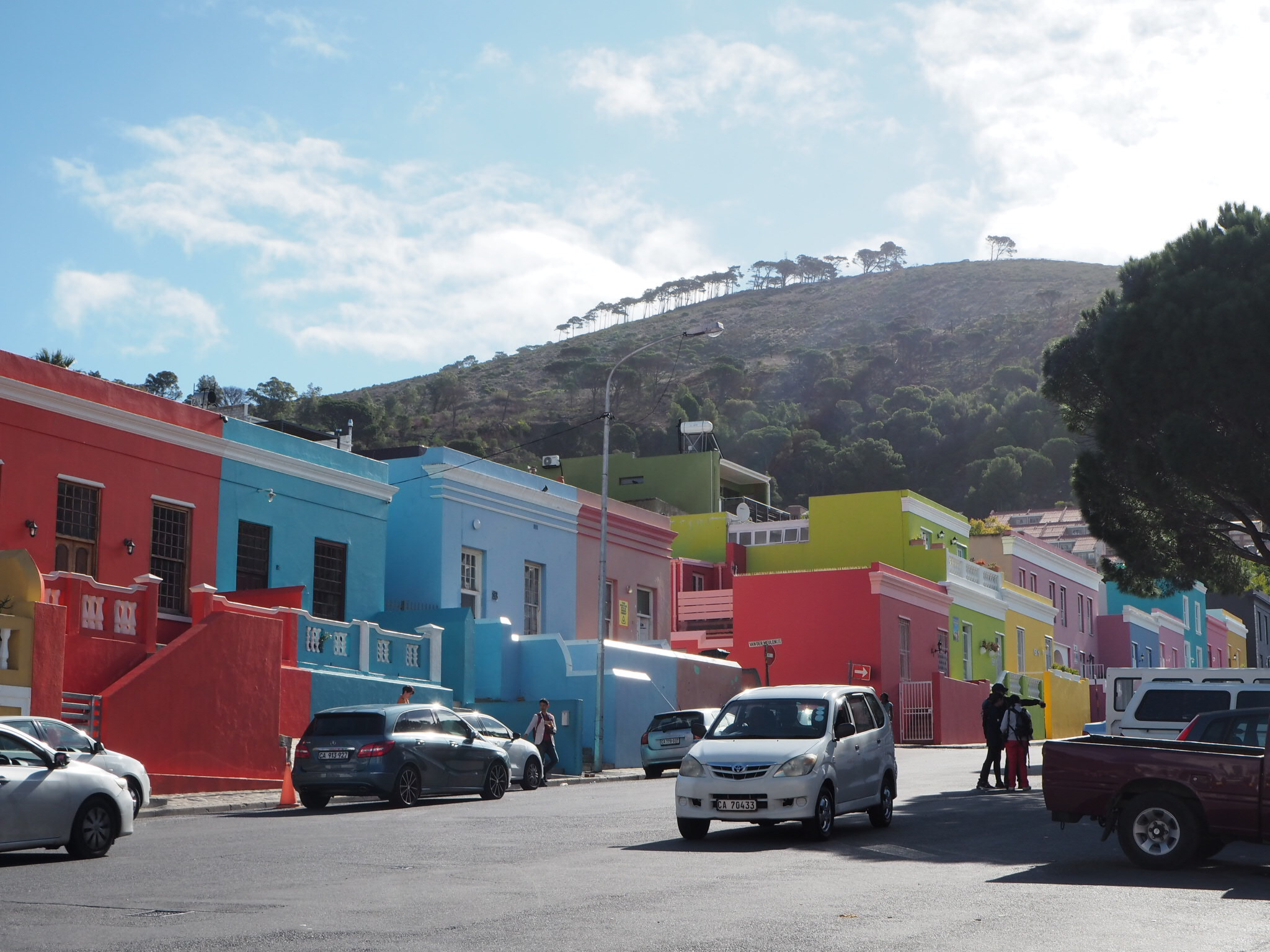 The beautiful colours of Bo-Kaap, with Signal Hill in the background.