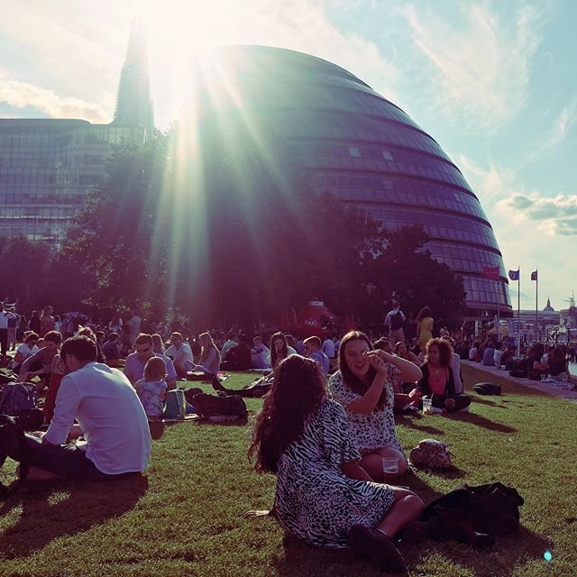 Pimms o'clock every warm summer evening in London.. 🍹as on this one sitting in Potters Fields Park by the river, between Tower Bridge and London's city hall (with the Shard peeking in the background) 🌞 What a difference sunshine makes!