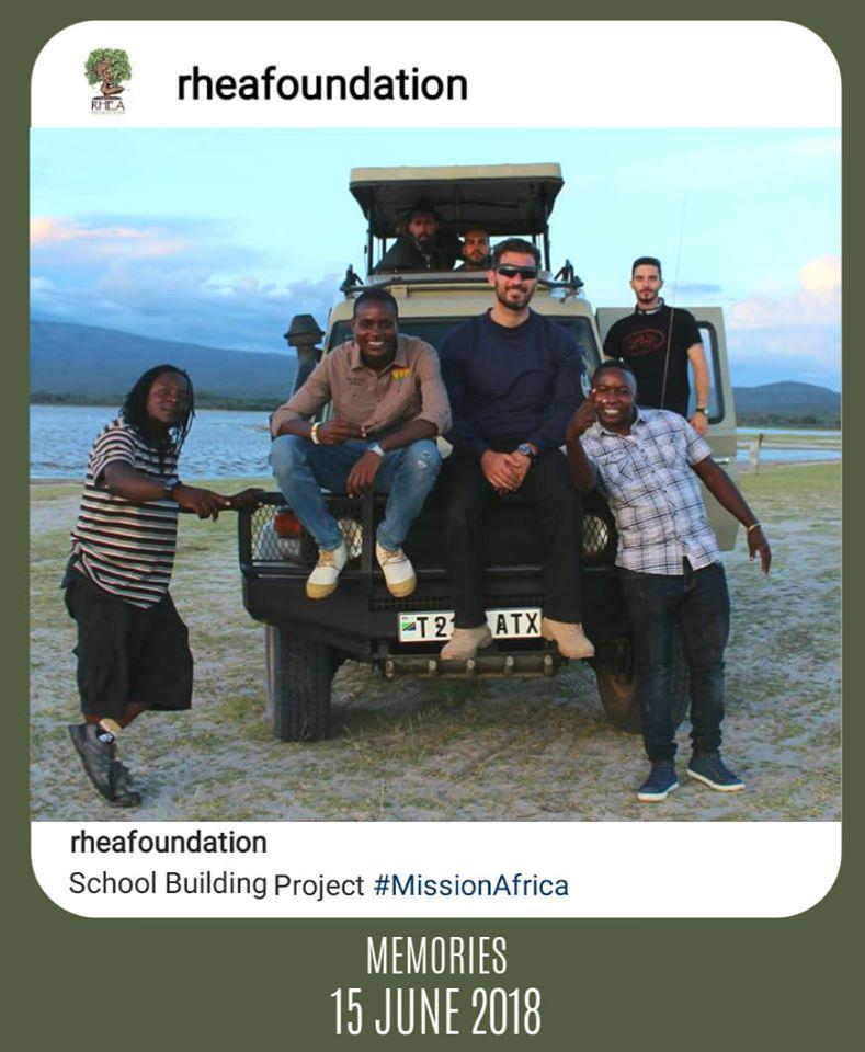 Τανζανία, Αφρική - 15 Ιουνίου, 2019   Η διασκέδαση αρχίζει εκεί που τελειώνει το πεζοδρόμιο.
