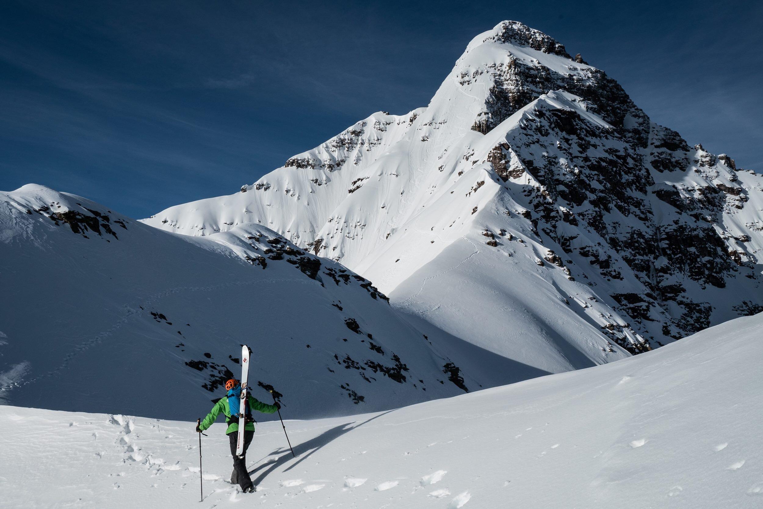 Fifty Classic Ski Descents co-author Penn Newhard eyes the Landry Line //  [o]   @bjarnesalen