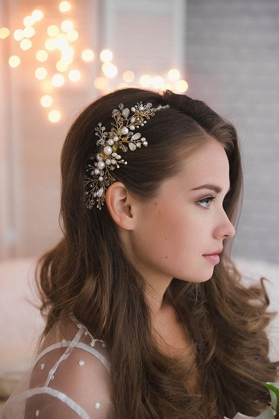 - This is a brushed out version of the old fashion hollywood waves, which was very popular for the 2018 wedding season. With 2019, we have seen the trends shift all together to be softer and more romantic. I think this blown out curled look is gorgeous for a bride that doesn't mind having her hair down. Keep in mind, to achieve this look, extensions might be necessary for fullness and desired length!