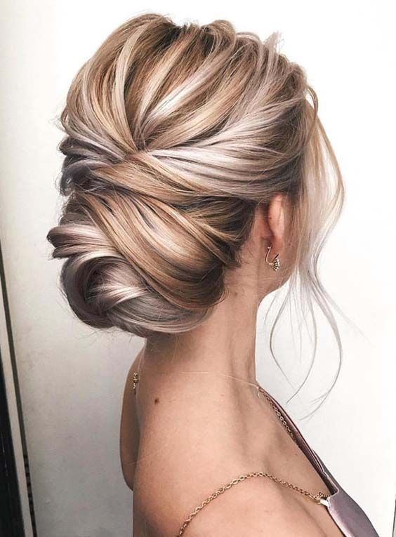 - I have been obsessed with these clean, yet textured upstyle's. A modern twist on the more traditional structured updo, this style is perfect for a simple bride who wants to show off the dimension of her hair tones. This do can be a great one for brides with shorter hair. If necessary, get your stylist to add a hair donut to make the bun appear larger!