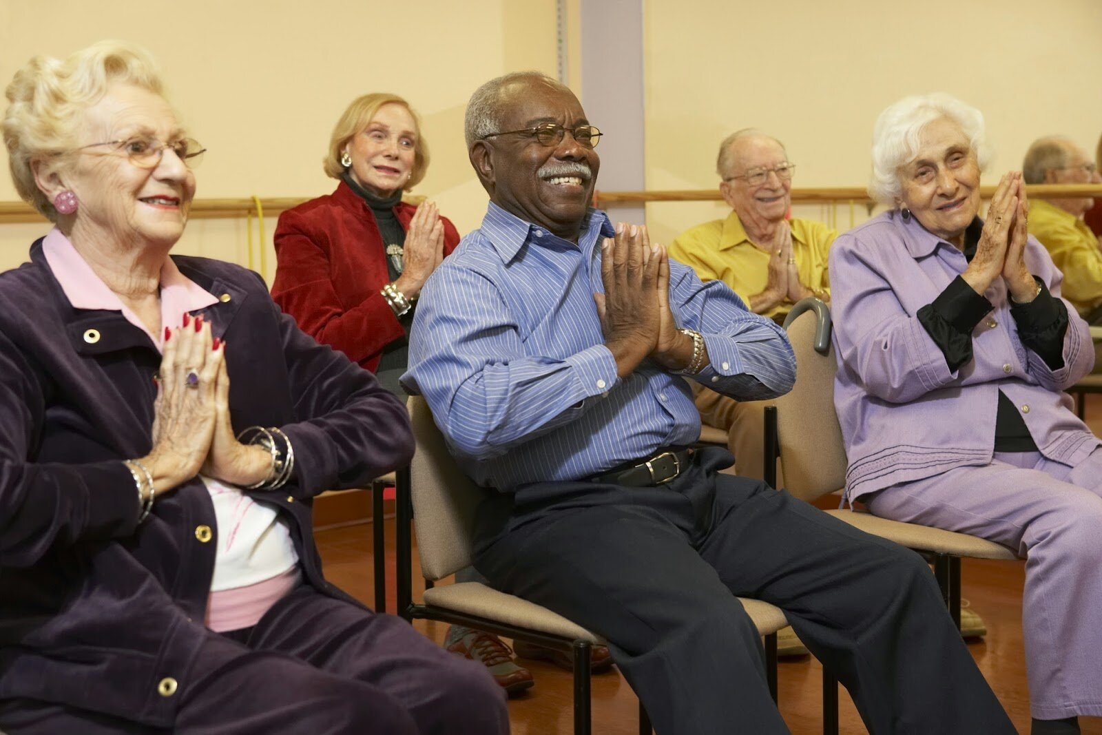 Residents Clapping.jpg