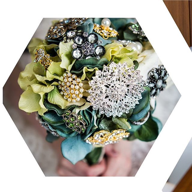 A bouquet of bling. Shot at a destination wedding in Austria - the bride collected special trinkets and created this piece of art that will never wilt! . . . #destinationwedding #destinationweddings #destinationweddingeurope #bride #bouquet #calgaryweddingphotographer #calgaryphotographer #calgaryportraitphotographer #salzburgphotographer #salzburgwedding #europeanwedding #flowers #broochbouquet #brooch #barbarablakey #destinationweddingplanner #salzburg