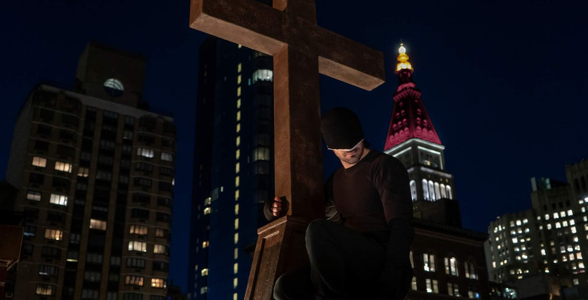 Daredevil: Charlie Cox Backs Fan Petition to Save Show - BY ANA DUMARAOG, screenrant