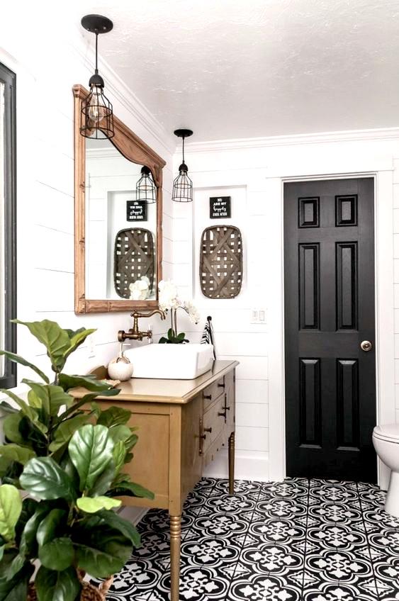 Traditional, boho bathroom