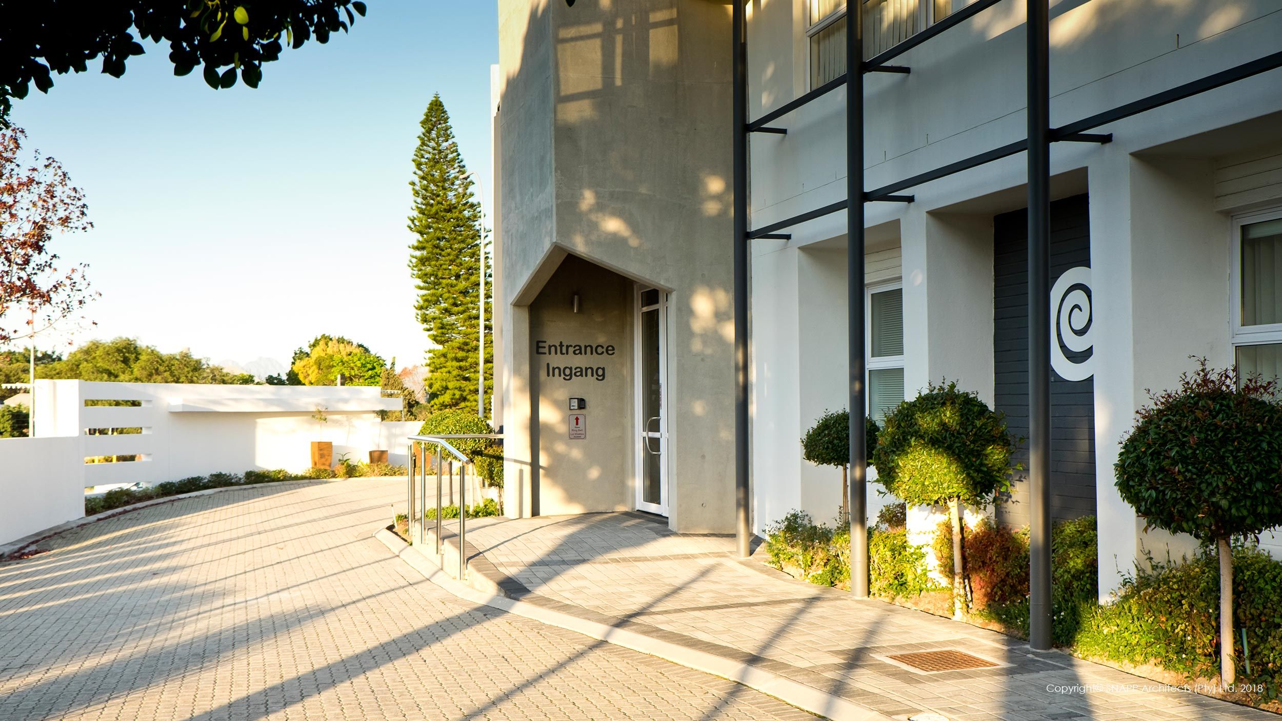 Bellville Ear Institute - Offshutter Concrete Entrance