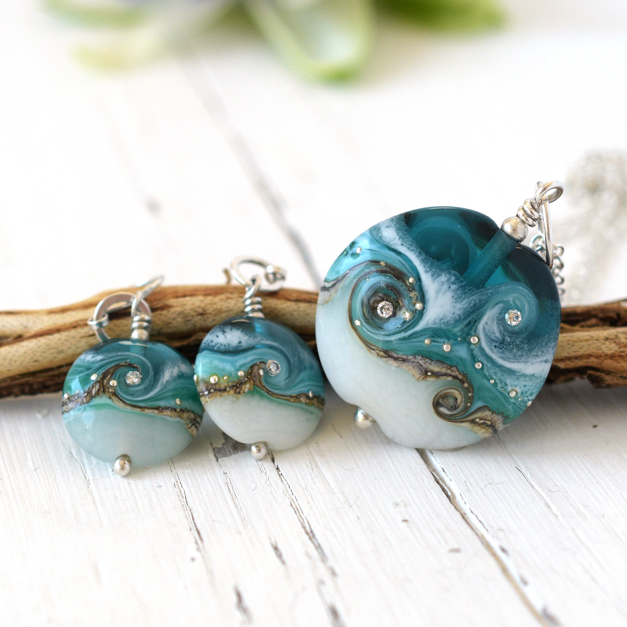 Circe Necklace & Earrings in Teal