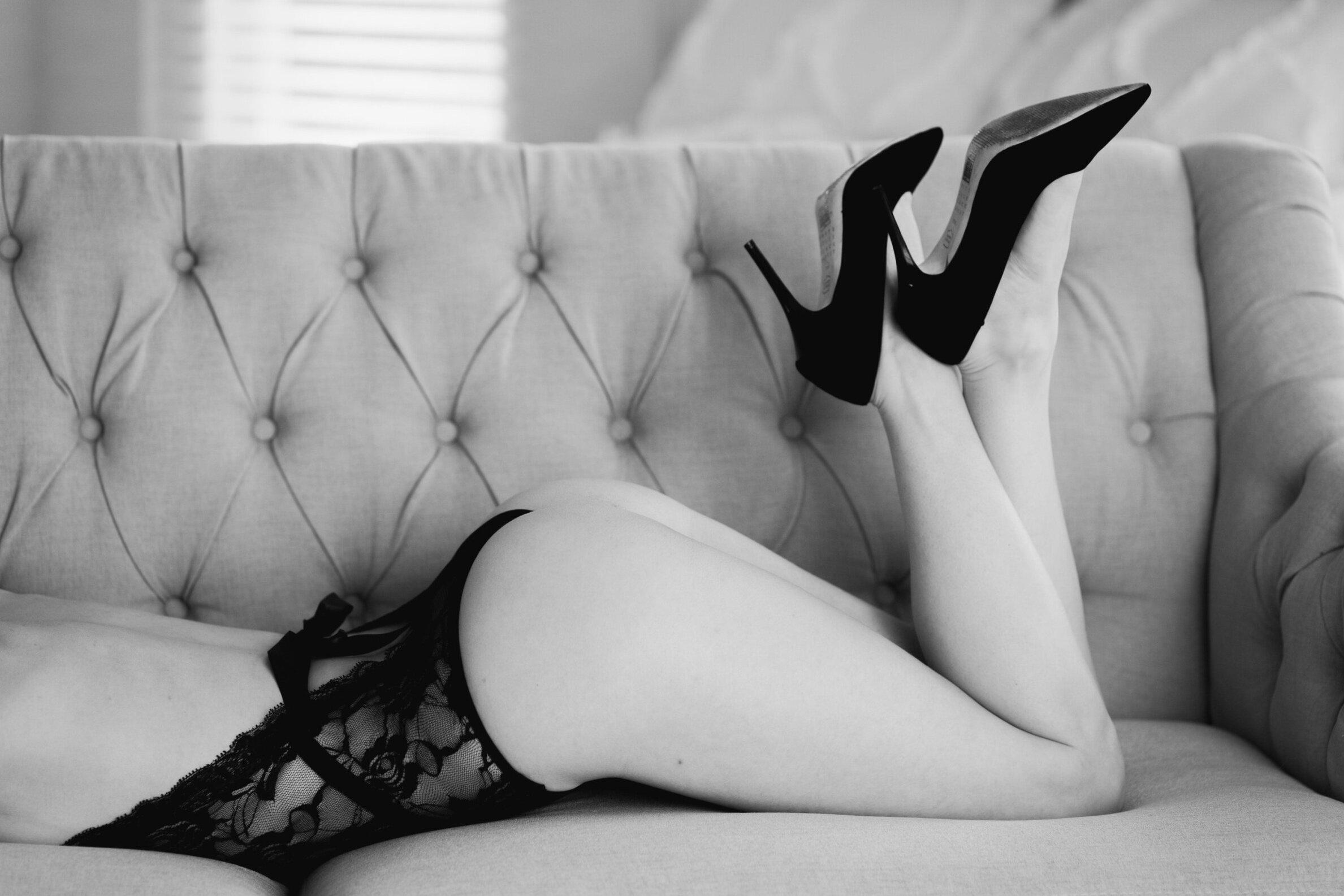 boudoir-booty-shot