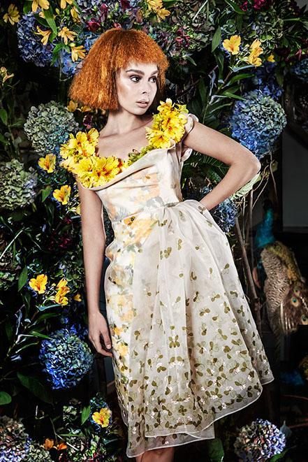 edwin oudshoorn - the manor blooms - thee meisje 3.jpg