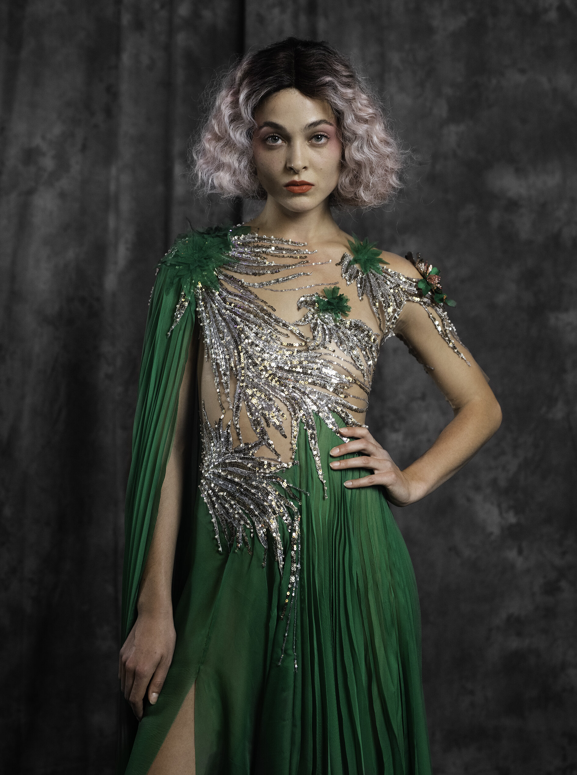 WEB 20190927 EDWIN OUDSHOORN COUTURE CLOSE UP GROEN PLISSE .jpg