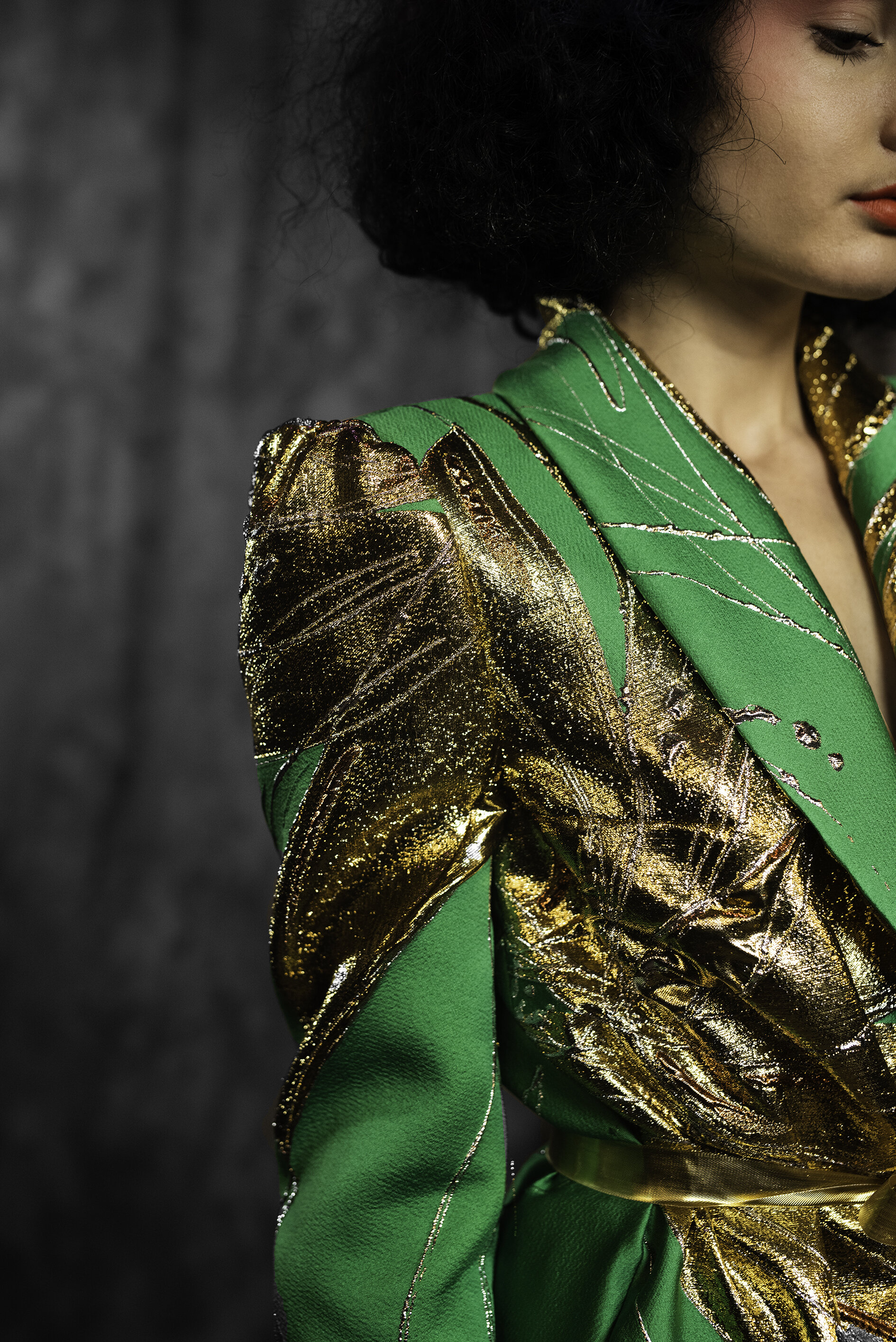 WEB 20190927 EDWIN OUDSHOORN COUTURE CLOSE UP BLOEM GROEN JUMPSUIT .jpg