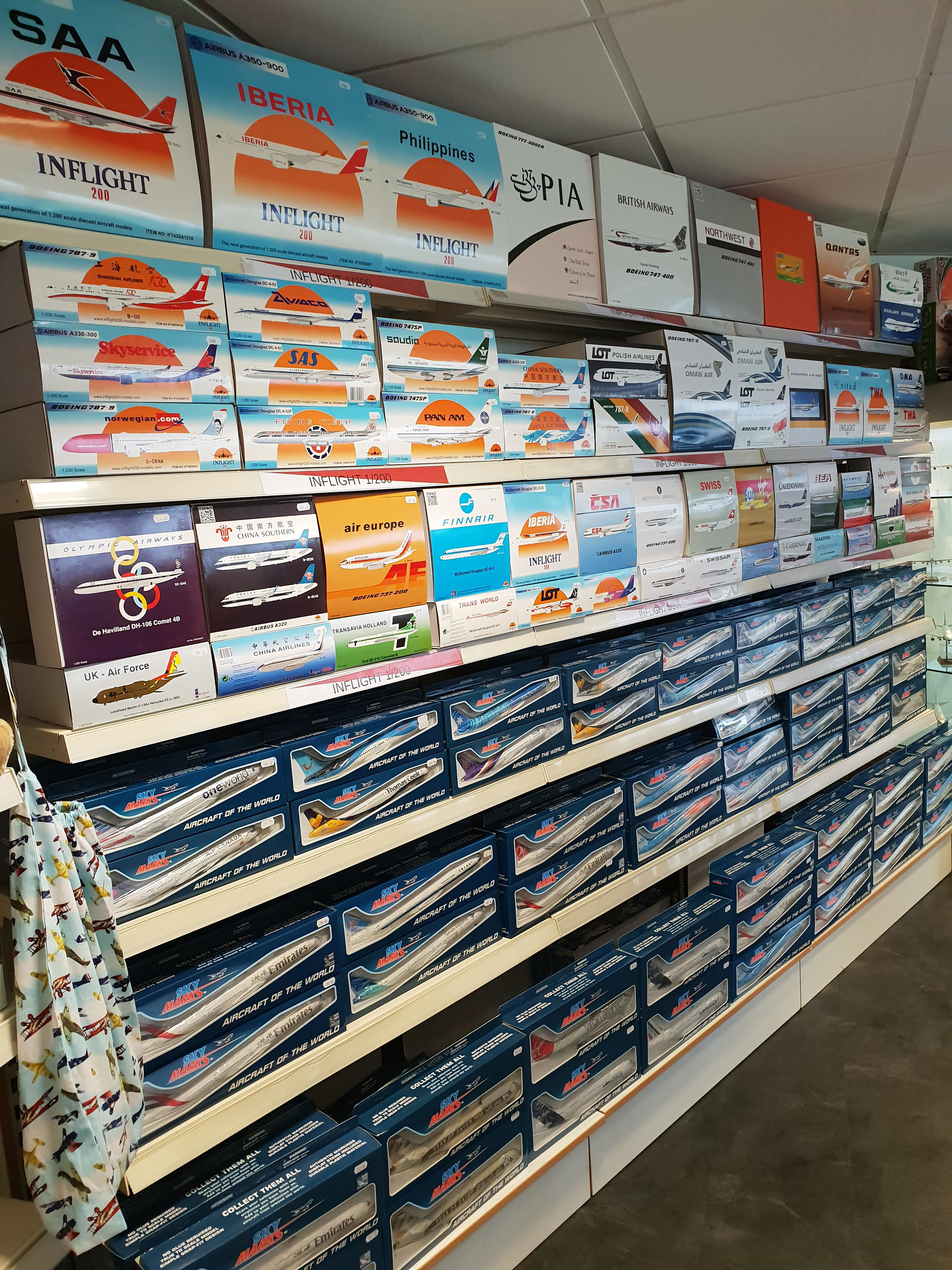 Shop Roll1.jpg