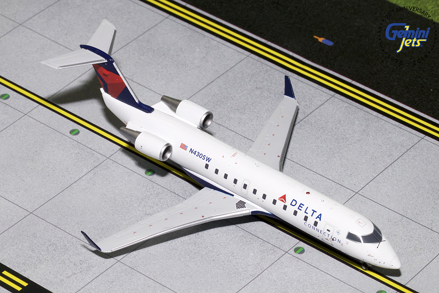 - 1/200 Delta Airlines Bombardier CRJ200 £70.00